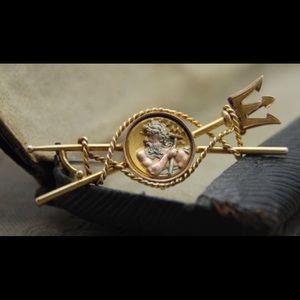 Jewelry - 14k brooch